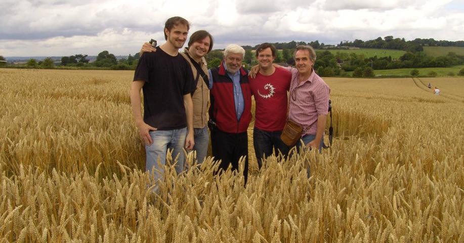 NuoViso Dreharbeiten in den Weizenfeldern Englands