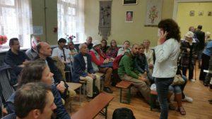 Küchenchefin Irina Timkowa spricht zu FF