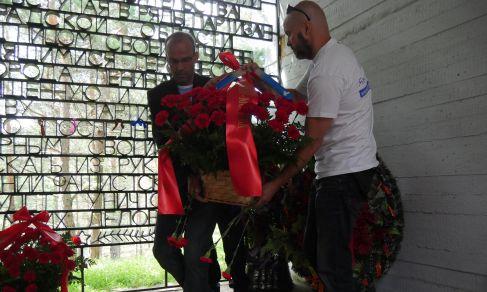 TAG 6: Sankt-Petersburg – Auf Knien bat Owe Schattauer um Vergebung für das Kriegsleid